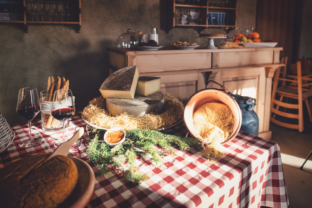 Characteristic Bed and Breakfast on the Italian Alps with typical local products